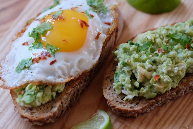 Avokado- og fetarøre