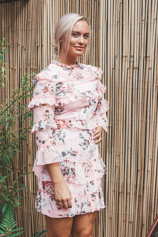 Blomstrete kjole, størrelse S – noia.shop